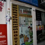 Service World Backpackers Hostel resmi