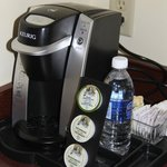 Awesome!! Keurig Coffe in house, and free water! BEST WESTERN PLUS Winnipeg Airport Hotel  |  17
