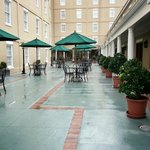 Фотография DoubleTree by Hilton Hotel and Suites Charleston - Historic District
