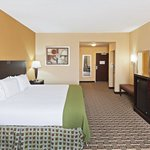 Фотография Holiday Inn Express Hotel & Suites El Paso