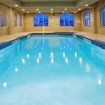 Фотография Holiday Inn Express Hotel & Suites Clarington - Bowmanville