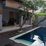The Wolas Villas & Spa resmi