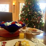 breakfast in the Christmasy lobby!