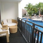 Swim up balcony Rm 905