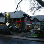 Oak Tree Inn resmi