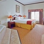 Фотография Holiday Inn Express Hotel & Suites Commerce-Tanger Outlets