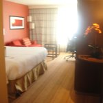 Foto van Courtyard by Marriott Los Angeles Woodland Hills