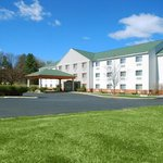 Ramada Limited Inn & Suites Pittsfield
