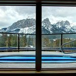 ภาพถ่ายของ Rundle Cliffs Luxury Mountain Lodge