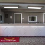 Econo Lodge New Liskeard resmi