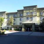 Larkspur Landing South San Francisco resmi