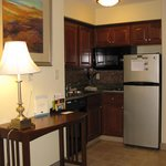 South Bend, IN Staybridge Suites -- Kitchen