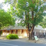 Hahndorf Oaktree Cottages