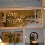 Foto de BEST WESTERN Inn at the Rogue