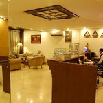 Photo de Hotel Surya International