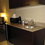 Holiday Inn Express Rapids Airport -- Wet Bar