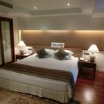 Royal Wing Suites & Spa resmi