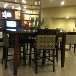 Photo de DoubleTree by Hilton Hotel Raleigh - Brownstone - University