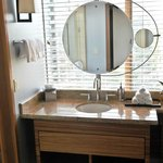 Elegant bathroom mirror, photo by Mike Keenan