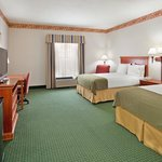 Holiday Inn Express Batesville resmi