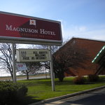 Photo de Magnuson Hotel Heritage Inn