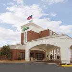 Welcome to the Holiday Inn Express Fredericksburg