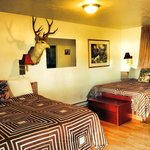 The Deer Room with Two Queen Size Beds