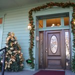 Lakeport English Inn at Christmas Time