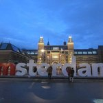 I amsterdam sign behind museum