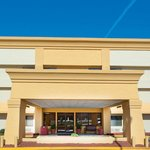 Photo of La Quinta Inn & Suites Meridian