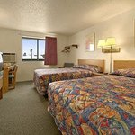 Super 8 Motel - Willmar
