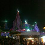 dwarkadheesh temple in night
