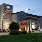 Foto van Comfort Suites at So. Broadway Mall