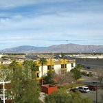 Photo de La Quinta Inn & Suites Las Vegas Summerlin Tech
