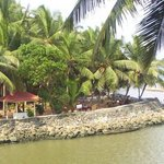 Beach and Lake Ayurvedic Resort Foto