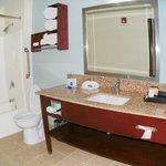 Double Queen Suite Bathroom