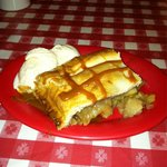 Awesome caramel apple pie w cinnamon ice cream