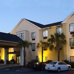 Photo of BEST WESTERN Magnolia Inn and Suites