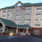 Foto van Days Inn & Suites Tucker/Northlake