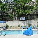 Extended Stay America - Charleston - Northwoods Blvd.