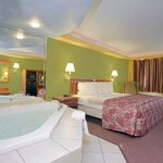 Americas Best Value Inn & Suites-University resmi