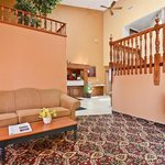 صورة فوتوغرافية لـ ‪Americas Best Value Inn / Camelot Inn of Fairview Heights‬