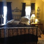 Carriage House Bed &