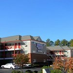 Photo de Stay Inn & Suites - Stockbridge
