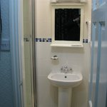 shower ensuite , very clean and recently refurbished