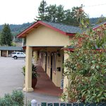 Vineyard Valley Inn Cloverdale