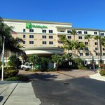 Entrance of Holiday Inn Fort Lauderdale Airport/Cruise Port