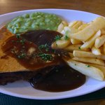 Lunch - steak & kidney pie, chips, mushy peas and gravy, perfect!