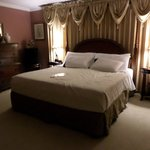 Hickory Room king size bed