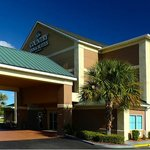 Welcome to Country Inn & Suites Savannah Gateway